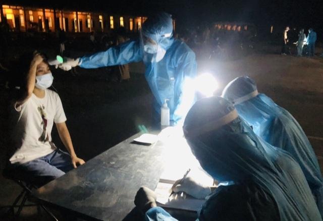 Gần 200 công dân Việt Nam từ Nhật Bản trở về âm tính với SARS - CoV-2 - 1