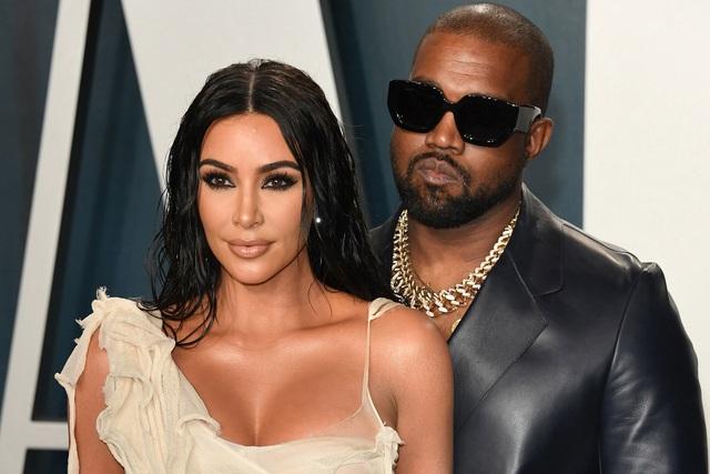 """Kanye West và những ngôi sao từng phải lên tiếng xin lỗi """"nửa kia"""" - 1"""