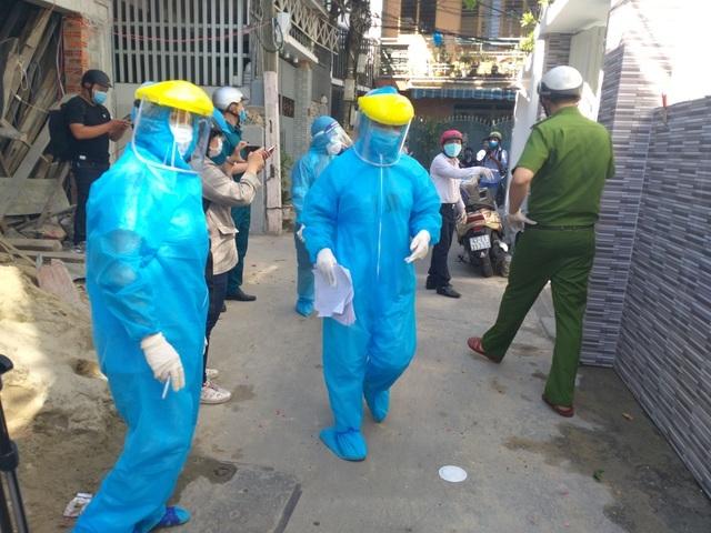 Thủ tướng: Covid-19 đã lây nhiễm ở 7 tỉnh thành, Hà Nội báo cáo ca bệnh - 1