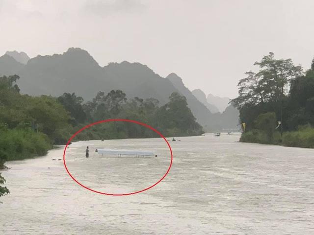Hà Nội: Lãnh đạo xã Hương Sơn lên tiếng vụ lật thuyền ở chùa Hương - 1