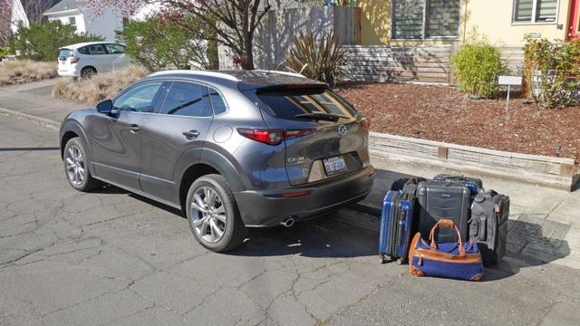 So sánh Mazda 3 Hatchback và Sedan 2020 - Xe nào có cốp rộng hơn? - 5