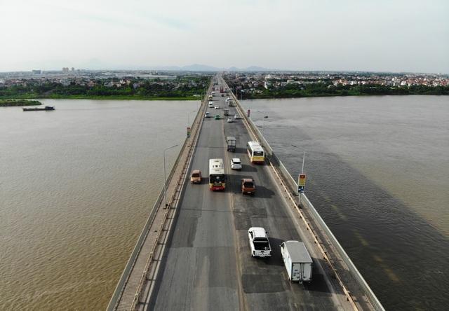 Hà Nội: Dùng vật liệu làm đường đua xe F1 để sửa chữa mặt cầu Thăng Long - 1