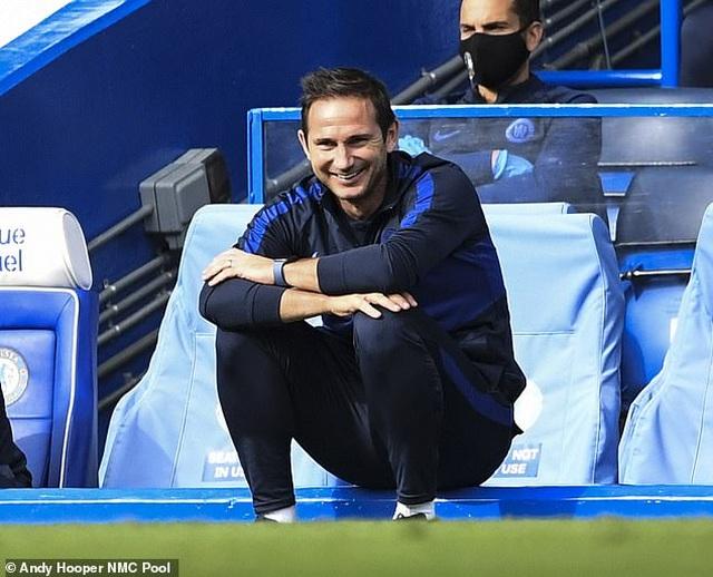 Huyền thoại Man Utd bất ngờ khen HLV Lampard giỏi hơn Solskjaer - 1