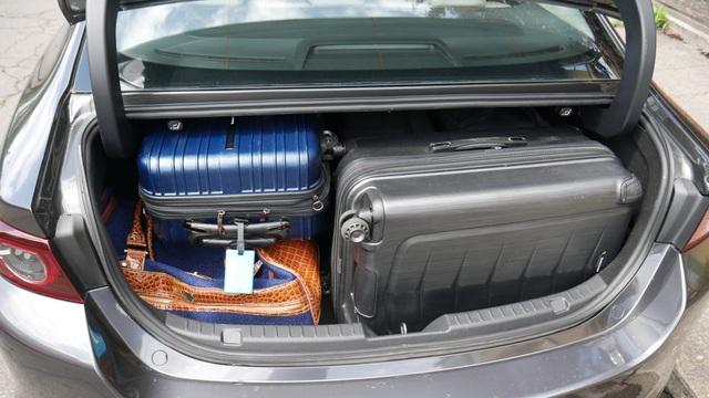 So sánh Mazda 3 Hatchback và Sedan 2020 - Xe nào có cốp rộng hơn? - 8