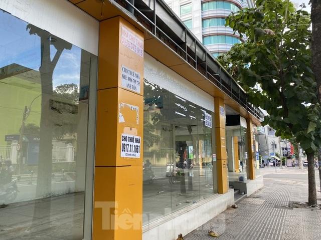 Nhà phố tiền tỷ thi nhau đóng cửa, treo biển cho thuê ở trung tâm Sài Gòn - 1