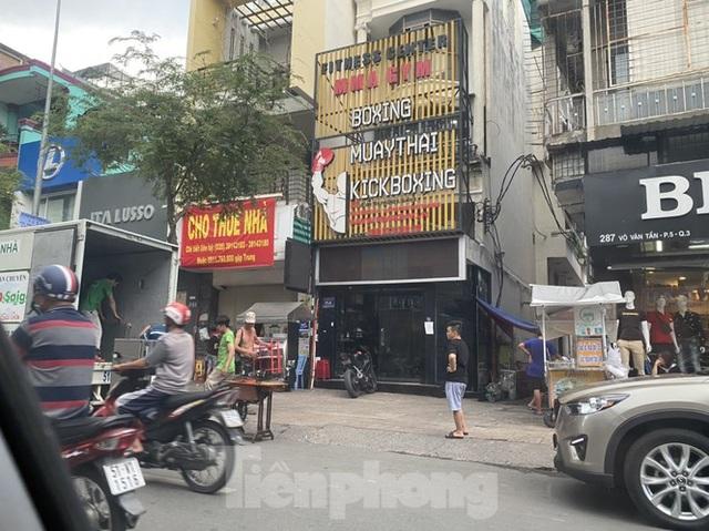 Nhà phố tiền tỷ thi nhau đóng cửa, treo biển cho thuê ở trung tâm Sài Gòn - 10