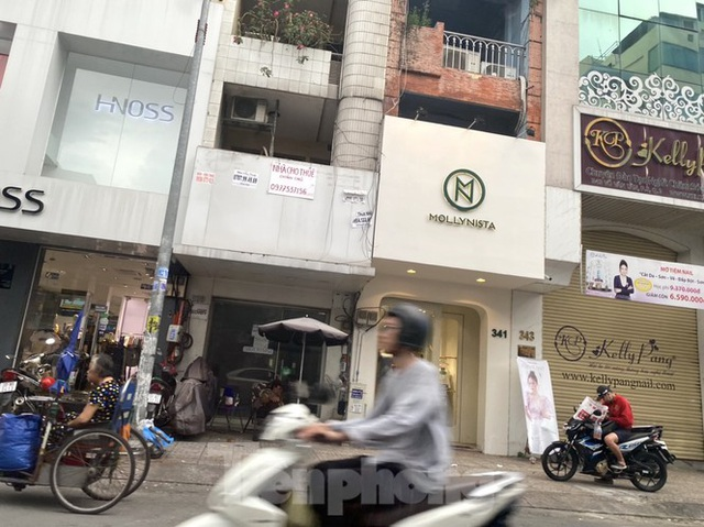 Nhà phố tiền tỷ thi nhau đóng cửa, treo biển cho thuê ở trung tâm Sài Gòn - 11