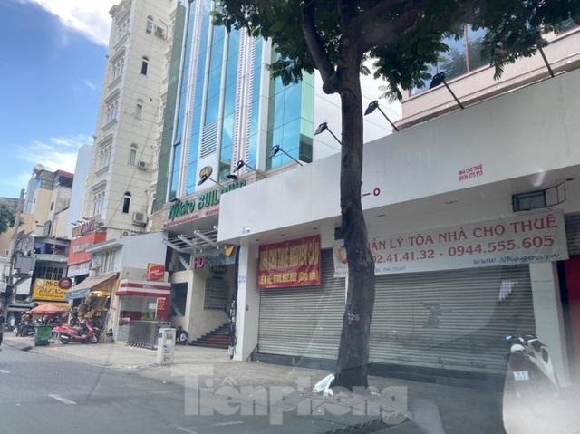 Nhà phố tiền tỷ thi nhau đóng cửa, treo biển cho thuê ở trung tâm Sài Gòn - 12