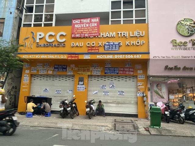 Nhà phố tiền tỷ thi nhau đóng cửa, treo biển cho thuê ở trung tâm Sài Gòn - 14