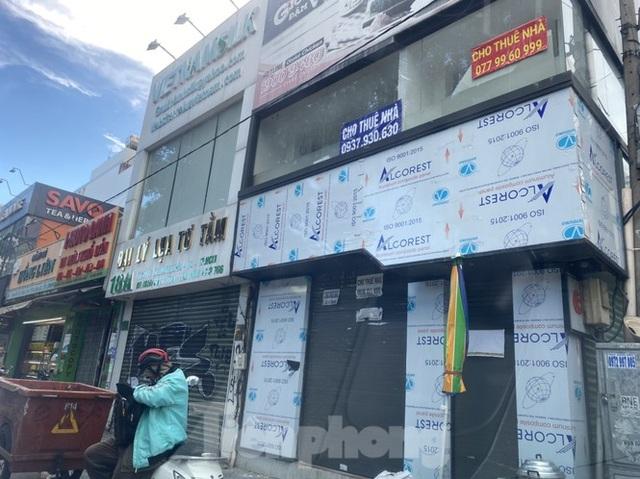 Nhà phố tiền tỷ thi nhau đóng cửa, treo biển cho thuê ở trung tâm Sài Gòn - 18