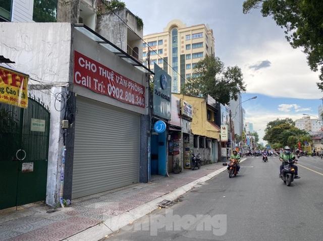 Nhà phố tiền tỷ thi nhau đóng cửa, treo biển cho thuê ở trung tâm Sài Gòn - 19