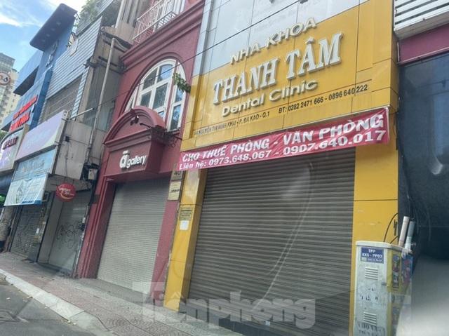 Nhà phố tiền tỷ thi nhau đóng cửa, treo biển cho thuê ở trung tâm Sài Gòn - 20