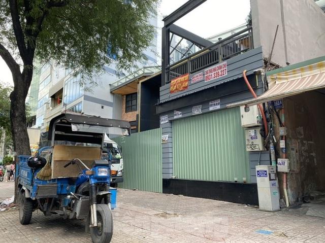 Nhà phố tiền tỷ thi nhau đóng cửa, treo biển cho thuê ở trung tâm Sài Gòn - 8