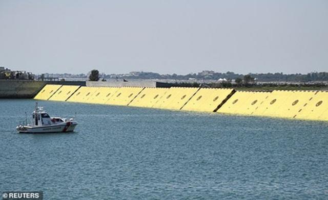 """Venice giảm công suất thuyền Gondola vì tình trạng du khách """"quá cân"""" - 5"""