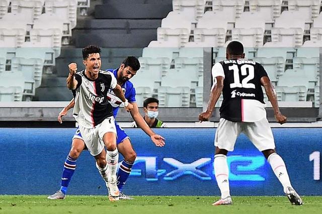 VIDEO: Ronaldo kiến tạo tới tận mồm, Higuain 'chê' dễ quá bèn sút luôn ra ngoài! 2