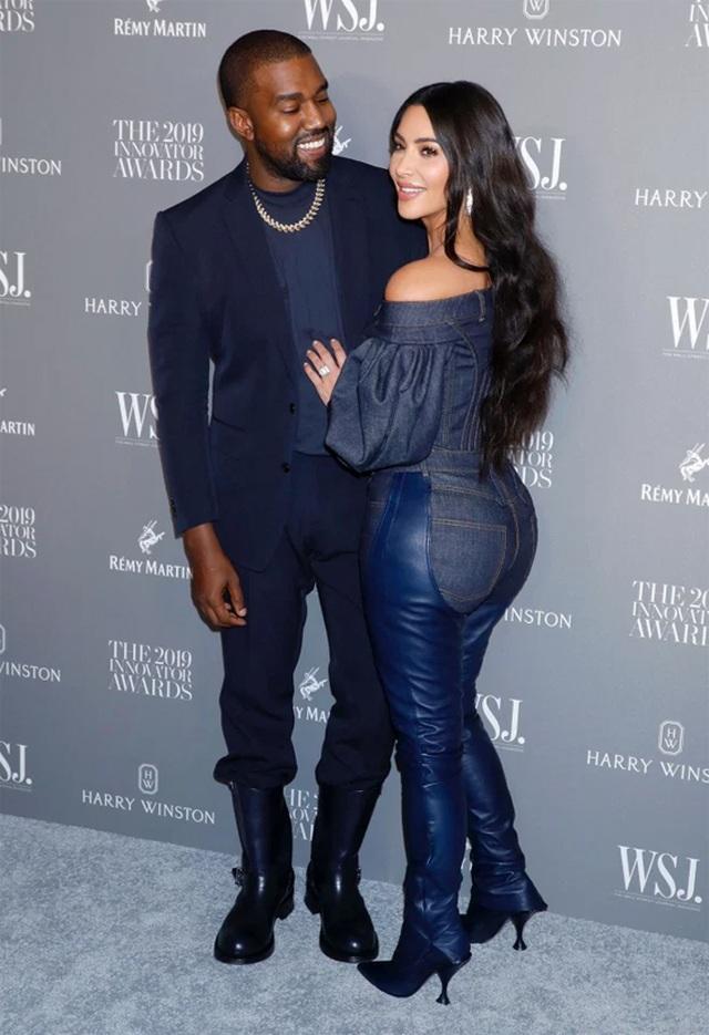 Kim Kardashian khóc khi trò chuyện với chồng trên ô tô - 8