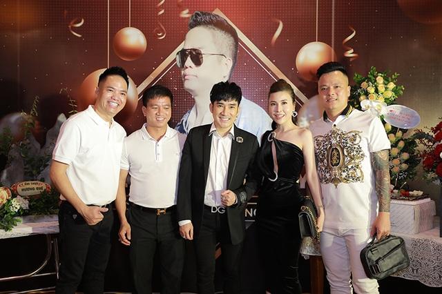 """Quang Hà tổ chức tiệc sinh nhật cho """"ông bầu"""" Quang Cường - 3"""