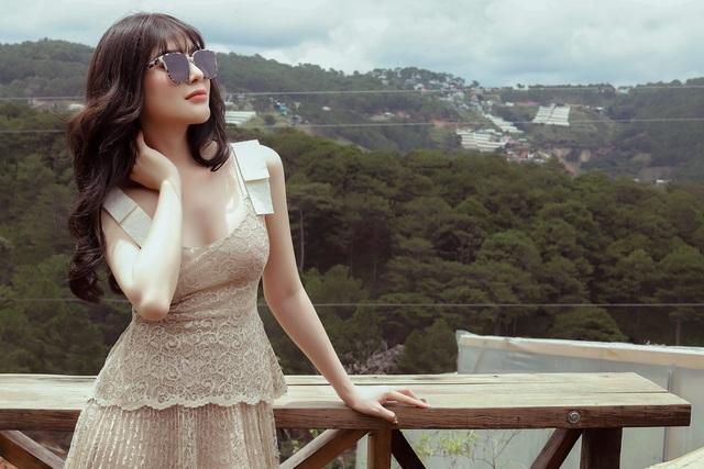 Á quân Tình Bolero Lily Chen bất ngờ hát ballad - 4