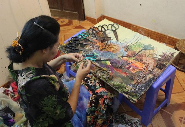 Lạ lùng cách nữ họa sỹ Hà Nội biến vải vụn thành tác phẩm nghìn đô - 3