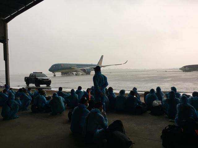 Quy trình đặc biệt đón 140 người nhiễm Covid-19 trở về từ Guinea Xích đạo - 2