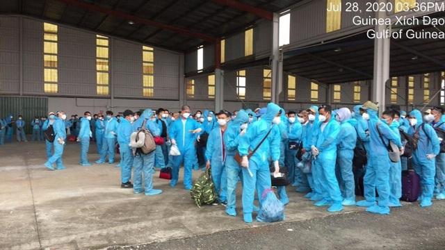 Quy trình đặc biệt đón 140 người nhiễm Covid-19 trở về từ Guinea Xích đạo - 3