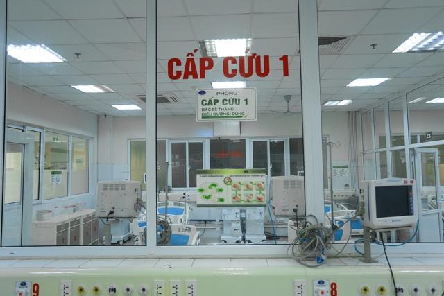 Cụ ông mắc Covid-19 ở Hà Nội bị tổn thương phổi, nhiễm khuẩn huyết - 2