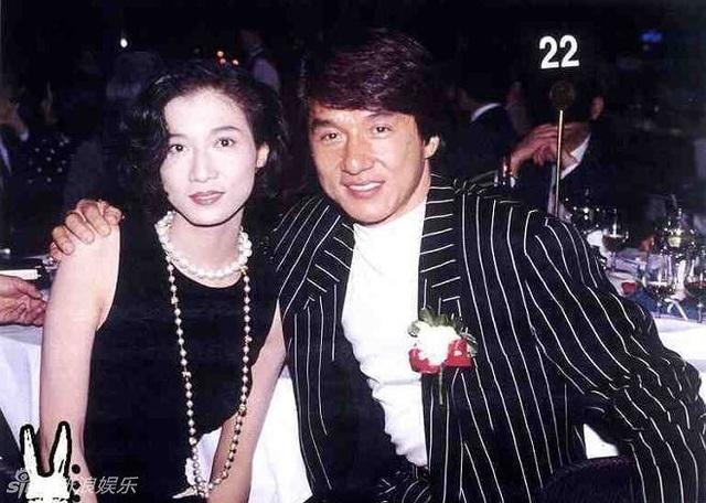 """Cựu hoa hậu bị Thành Long """"bỏ rơi"""" không kết hôn - 1"""