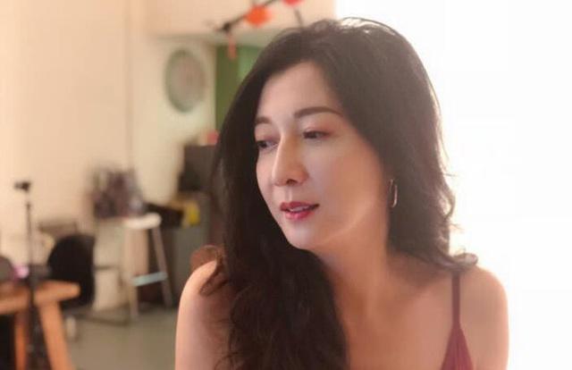 """Cựu hoa hậu bị Thành Long """"bỏ rơi"""" không kết hôn - 7"""