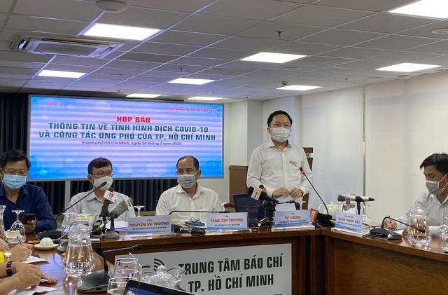 TPHCM đảm bảo khẩu trang, hàng hóa cung cấp cho người dân - 1
