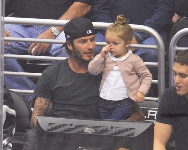 """""""Công chúa nhà Beckham"""" đã lớn và biết làm điệu như thế này... - 4"""