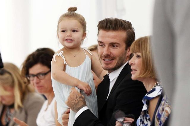 """""""Công chúa nhà Beckham"""" đã lớn và biết làm điệu như thế này... - 3"""