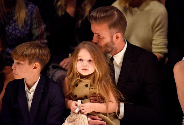 """""""Công chúa nhà Beckham"""" đã lớn và biết làm điệu như thế này... - 5"""