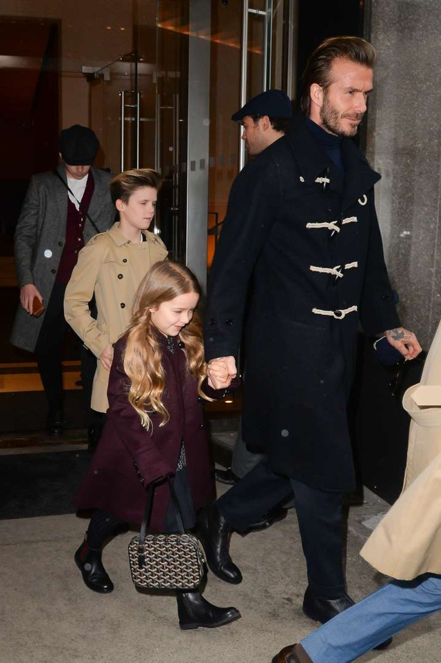 """""""Công chúa nhà Beckham"""" đã lớn và biết làm điệu như thế này... - 9"""