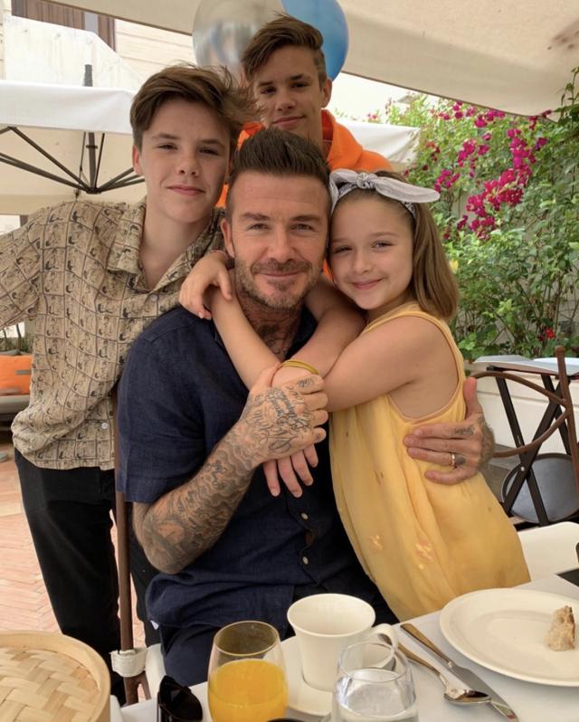 """""""Công chúa nhà Beckham"""" đã lớn và biết làm điệu như thế này... - 14"""