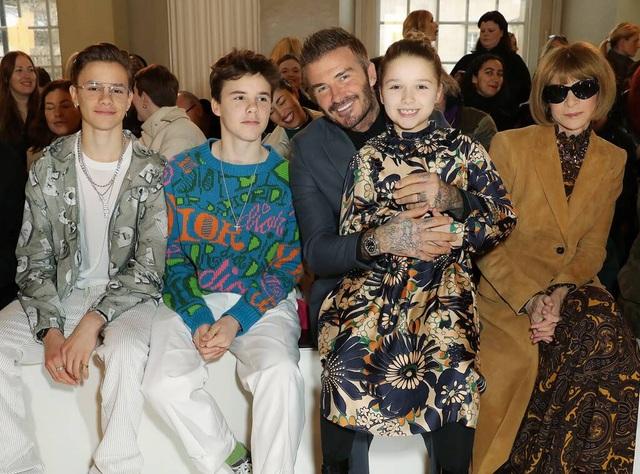"""""""Công chúa nhà Beckham"""" đã lớn và biết làm điệu như thế này... - 19"""