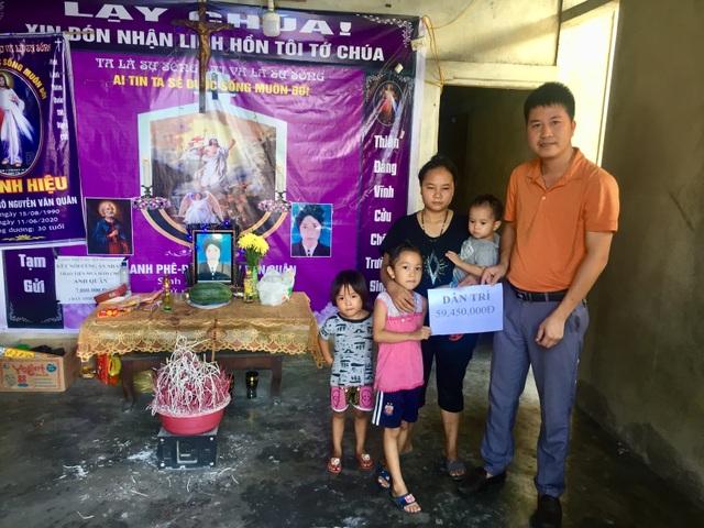 Ba đứa trẻ đột ngột mất cha được giúp đỡ hơn 59 triệu đồng - 3