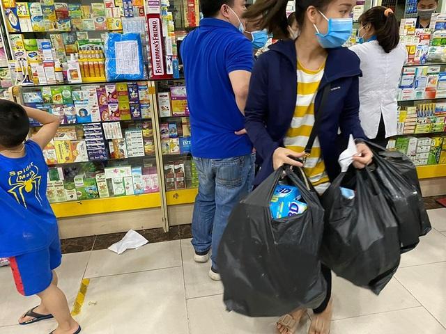 Giá khẩu trang tăng vùn vụt sau công bố người nhiễm Covid-19 tại Hà Nội - 4