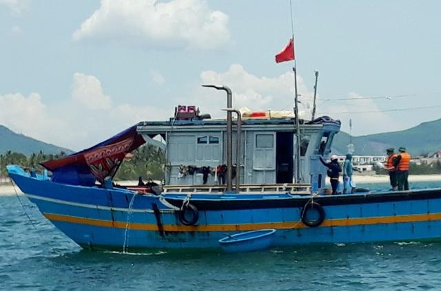 9 người theo tàu cá vượt biển, lén lút rời Đà Nẵng - 1