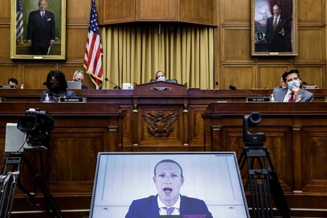 """Mark Zuckerberg bị tố """"chơi chiêu"""" để diệt các đối thủ cạnh tranh"""