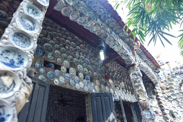 Độc nhất vô nhị ngôi nhà gắn hơn 10.000 bát, đĩa cổ ở Vĩnh Phúc - 14