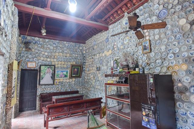 Độc nhất vô nhị ngôi nhà gắn hơn 10.000 bát, đĩa cổ ở Vĩnh Phúc - 2