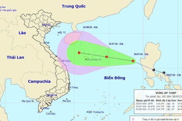 Vùng áp thấp đã vào Biển Đông, miền Bắc mưa to - 1