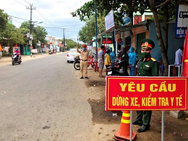 Quảng Nam cách ly xã hội thêm 5 huyện, thị xã - 1