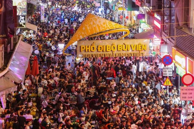 """Phương Đông Vân Đồn đón đầu cơ hội từ dịch vụ """"kinh tế ban đêm"""" - 1"""