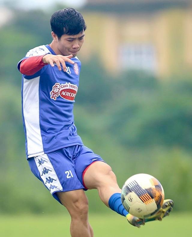 Cầu thủ Việt Nam và bài học xuất ngoại từ Công Phượng, Văn Hậu - 2