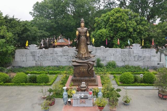 Chiêm ngưỡng bức tượng đồng nguyên chất lớn nhất Việt Nam - 1
