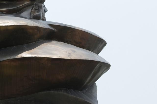 Chiêm ngưỡng bức tượng đồng nguyên chất lớn nhất Việt Nam - 11