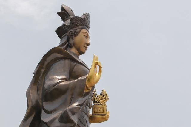 Chiêm ngưỡng bức tượng đồng nguyên chất lớn nhất Việt Nam - 12