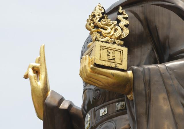 Chiêm ngưỡng bức tượng đồng nguyên chất lớn nhất Việt Nam - 7