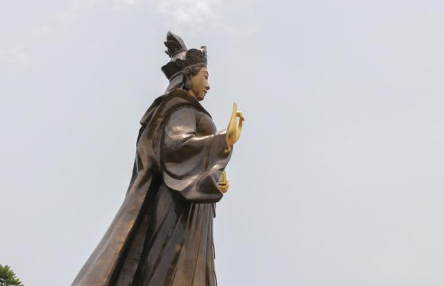 Chiêm ngưỡng bức tượng đồng nguyên chất lớn nhất Việt Nam - 8